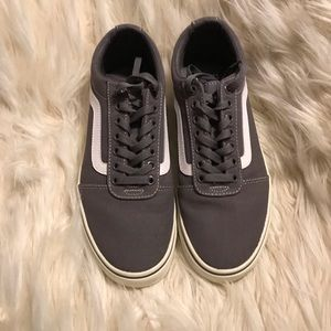 Brand new men's Van's Canvas shoes size 7.5 gray